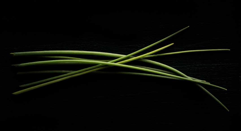 bieslook-especia-black-background2